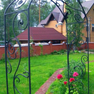 Кованая садовая арка А-18