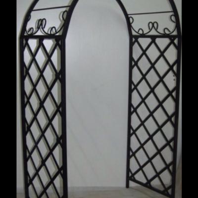 Кованая садовая арка А-16