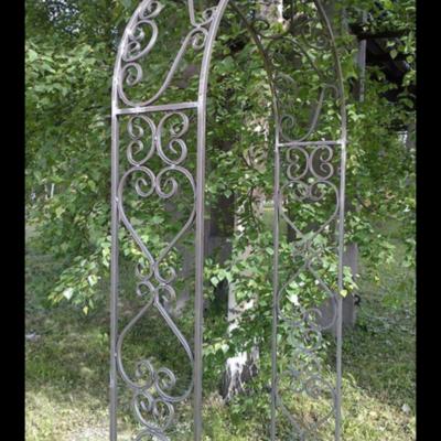 Кованая садовая арка А-15