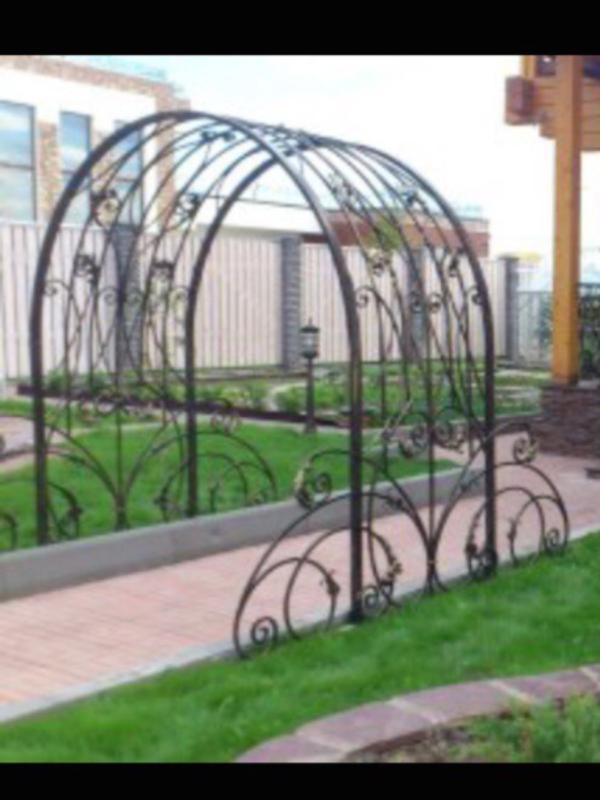 Кованая садовая арка А-12