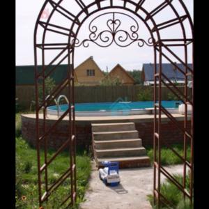 Кованая садовая арка А-6