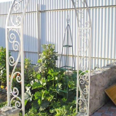 Кованая садовая арка А-4