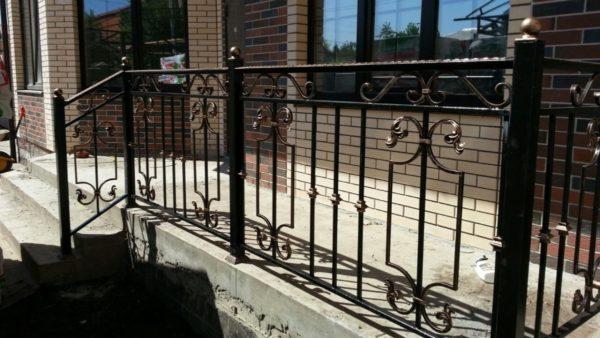 Кованые балконы Б-61