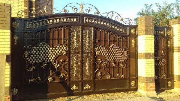 Кованые ворота V-151